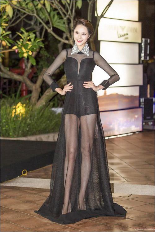 """Những chiếc đầm đen đẹp """"muốn xỉu"""" của mỹ nhân Việt-8"""