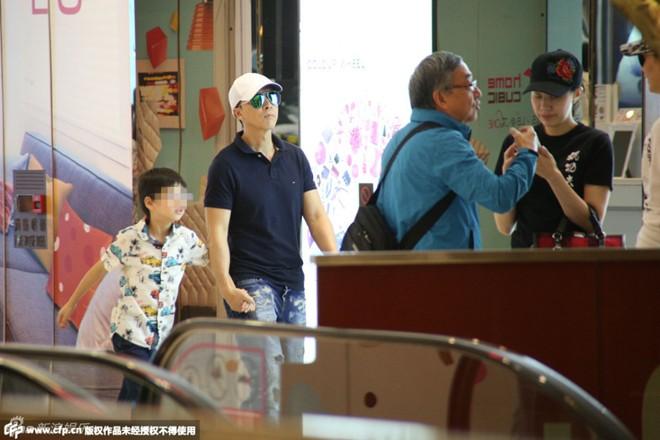 Huỳnh Hiểu Minh đặt vương miện tặng Angela Baby - 12
