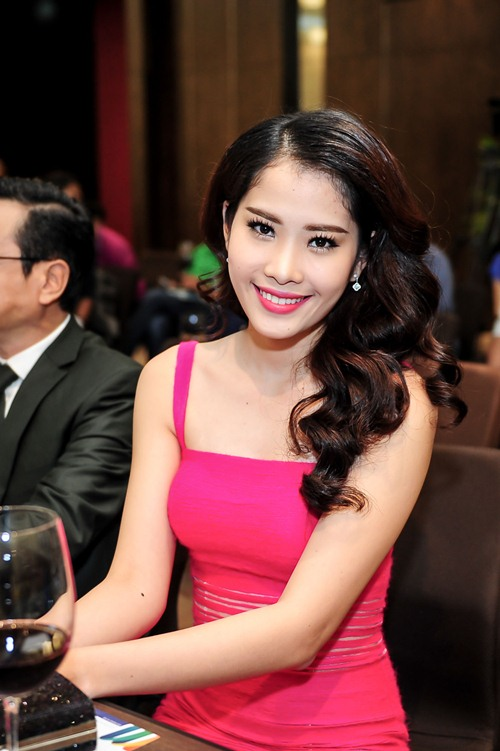 angela phuong trinh dong phim tien ty cua viet anh - 13