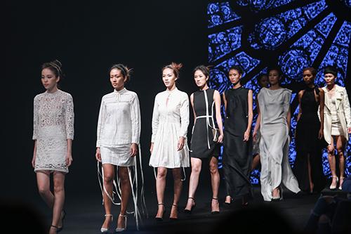 nhung quy co sang chanh cua elle fashion show 2015 - 13