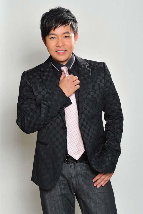 Quang Lê: Ca sĩ nhạc dân gian nhiều thị phi-1
