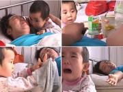 Làm mẹ - Cảm động em bé 3 tuổi một mình chăm mẹ ốm