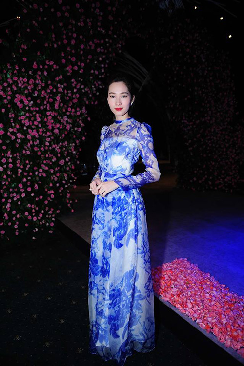 hh pham huong, angela phuong trinh lam nao dong tham do - 6