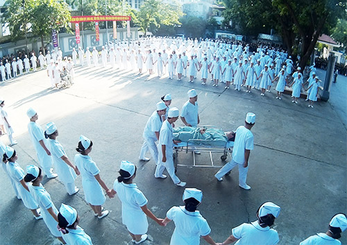 doc dao man huong dan rua tay sat khuan bang nhay flashmob - 3