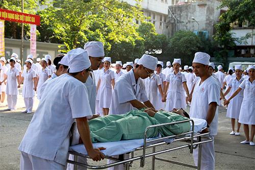 doc dao man huong dan rua tay sat khuan bang nhay flashmob - 4