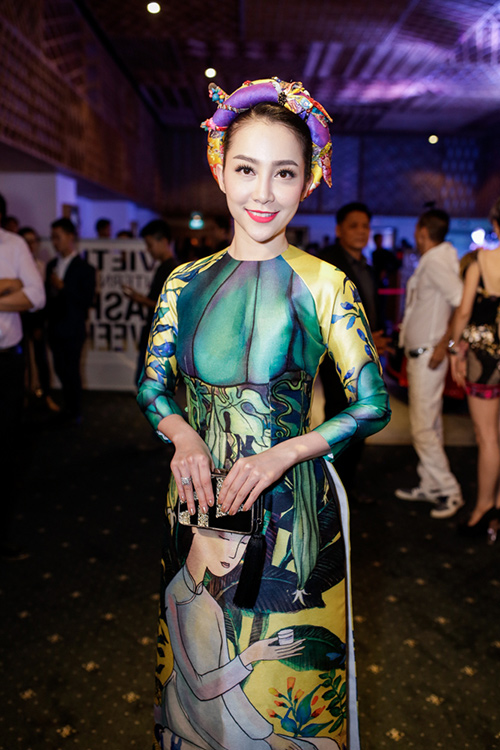 linh nga mac ao dai gam lung linh khoe sac - 1