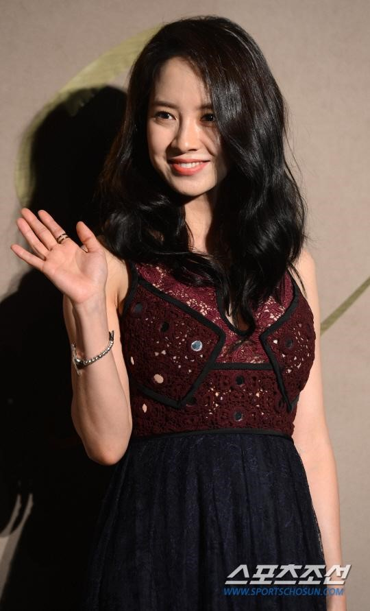 "suzy diu dang xinh dep ""do sac"" cung dan chi - 4"