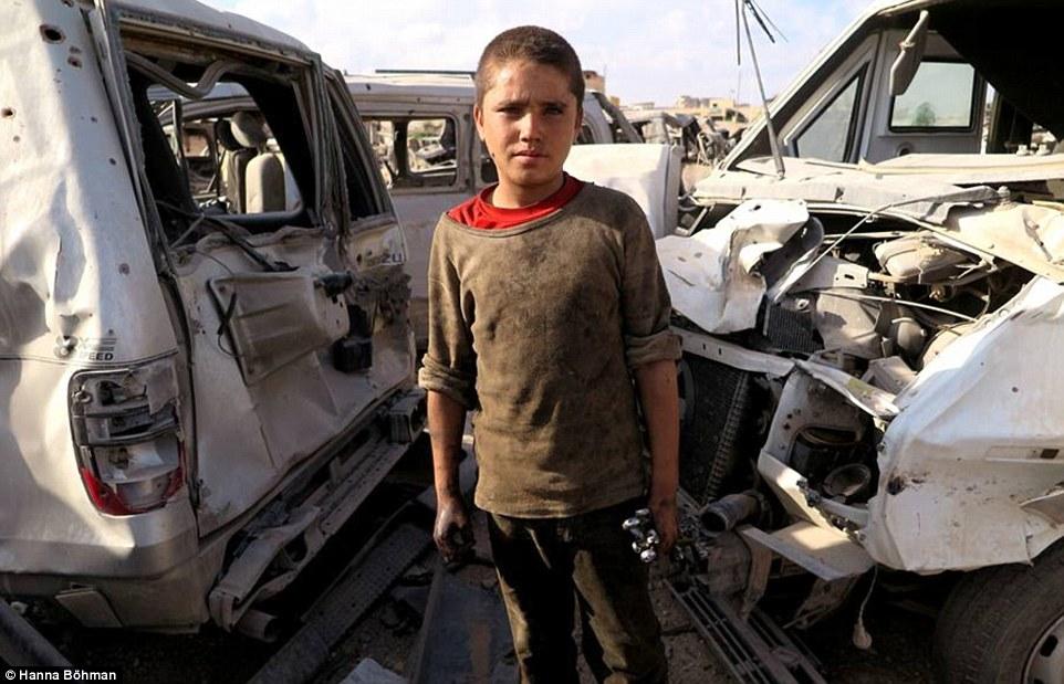 anh: cuoc song cua tre em giua vung chien su hoang tan syria - 11
