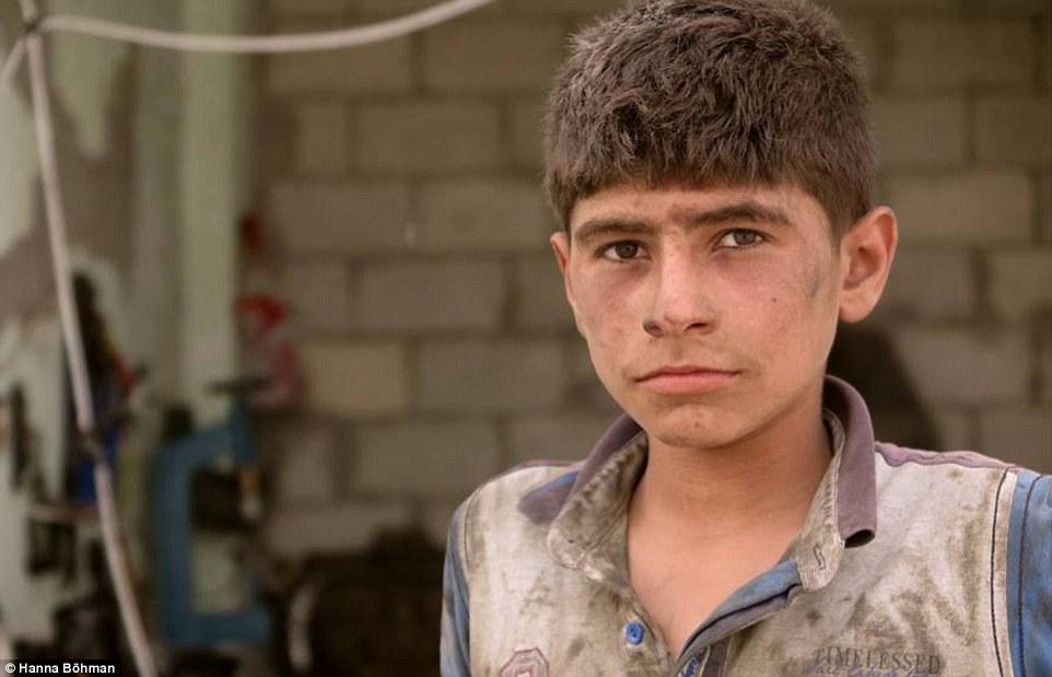 anh: cuoc song cua tre em giua vung chien su hoang tan syria - 13