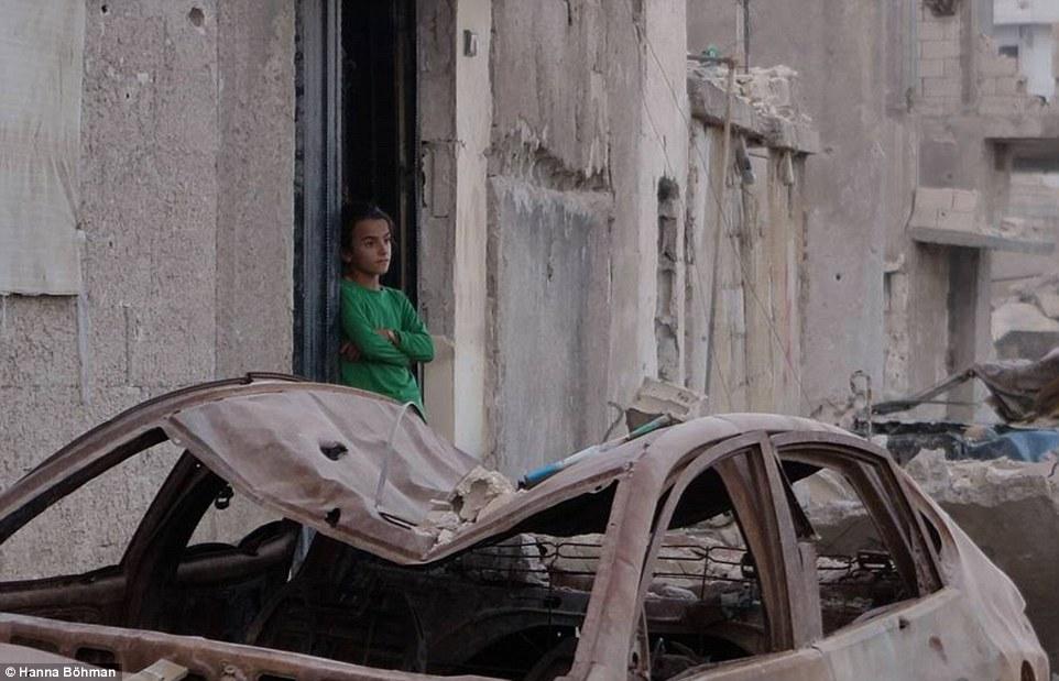anh: cuoc song cua tre em giua vung chien su hoang tan syria - 9