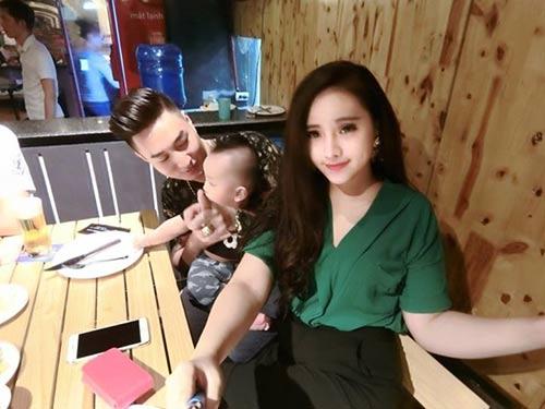 "hanh phuc cua me xinh dep co chong thich ""lam viec dan ba"" - 3"