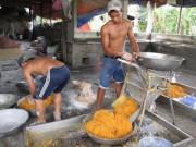 Tin tức - Kinh hãi lò sản xuất chà bông đầy ruồi và hóa chất