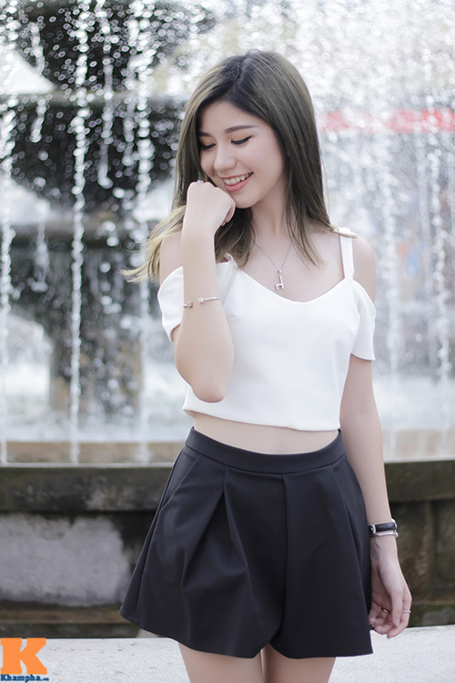 hot girl ha noi khoe vai tran, mat lung lieng - 1