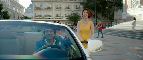 quynh chi kieu ky van phai duoi theo xe b tran - 9