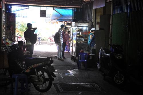 hop cho sam uat giua hanh lang chung cu o tp.hcm - 2