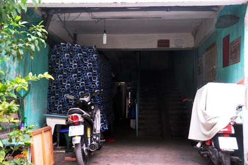 hop cho sam uat giua hanh lang chung cu o tp.hcm - 6