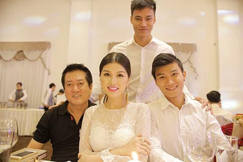 """bang cuong """"du hi"""" uc, oanh yen thi mrs viet nam - 11"""