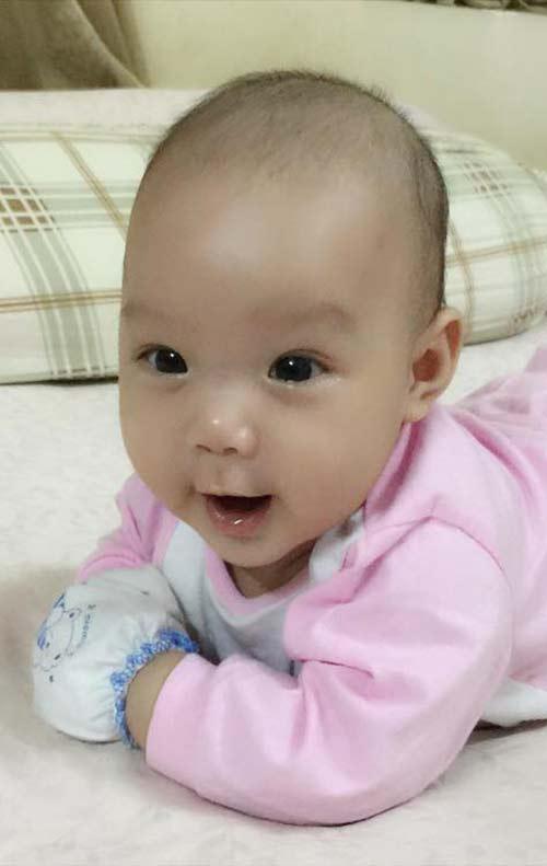 trinh kim chi khoe con gai 4 thang tuoi dang yeu - 4