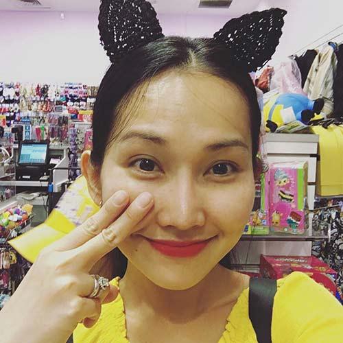 Kim Hiền đưa con gái nhỏ đi chơi cuối tuần-5