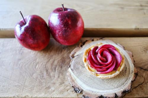 Ngắm táo ruột đỏ giòn ngọt có giá 860.000 một cây-3