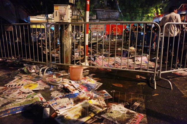 Hiện trường vụ cháy nhà 4 tầng trên phố cổ Hàng Mã-7