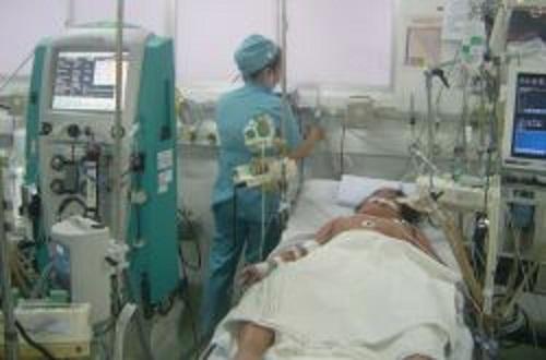 Cứu sống bệnh nhi nguy kịch vì sốc sốt xuất huyết-1
