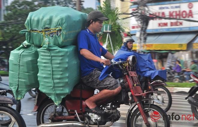 Xe mù vẫn tung hoành khắp đường phố Sài Gòn-1