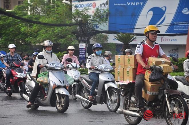 Xe mù vẫn tung hoành khắp đường phố Sài Gòn-10