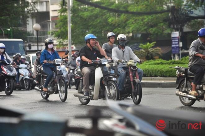 Xe mù vẫn tung hoành khắp đường phố Sài Gòn-12