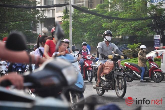 Xe mù vẫn tung hoành khắp đường phố Sài Gòn-15