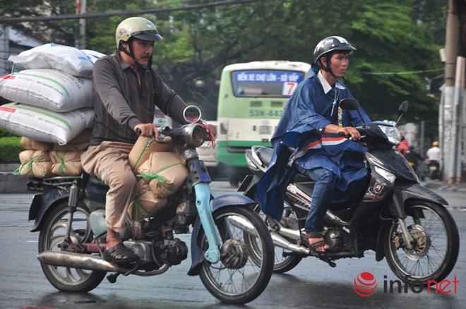Xe mù vẫn tung hoành khắp đường phố Sài Gòn-2