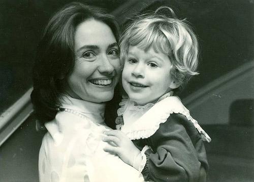 Tuổi thơ êm đêm và sự nghiệp của Hillary Clinton-13