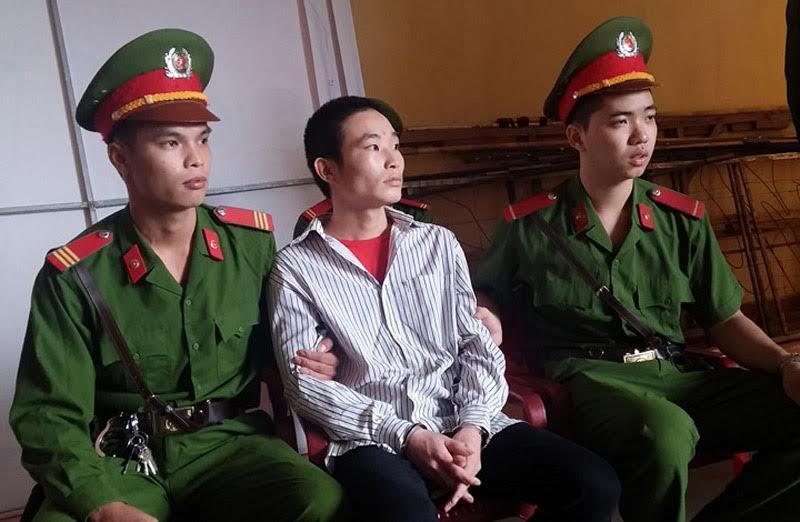 Hàng nghìn người đến phiên xử kẻ giết 4 người ở Yên Bái-1