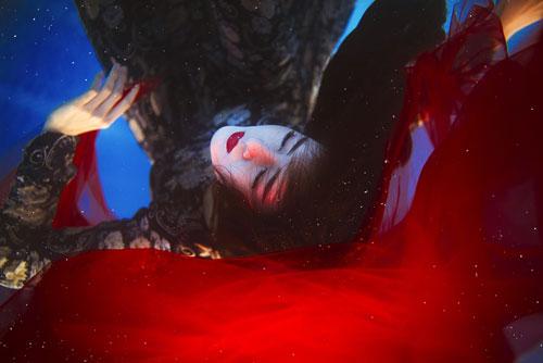 Lilly Luta tung bộ ảnh dưới nước đẹp ngất ngây-2