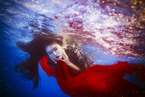 Lilly Luta tung bộ ảnh dưới nước đẹp ngất ngây-5