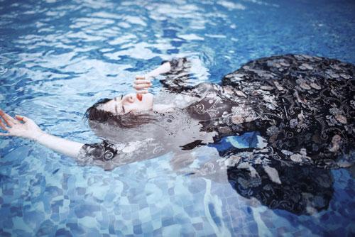 Lilly Luta tung bộ ảnh dưới nước đẹp ngất ngây-8