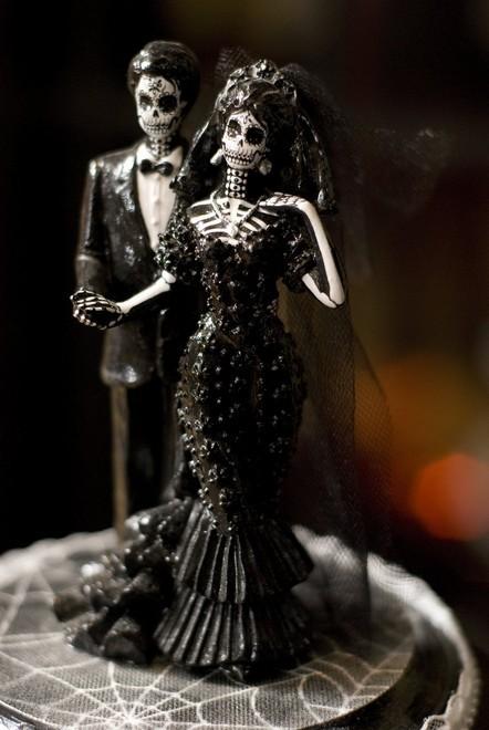 Rùng rợn với những chiếc bánh cưới Halloween-3