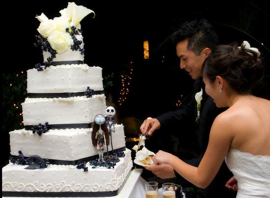 Rùng rợn với những chiếc bánh cưới Halloween-17