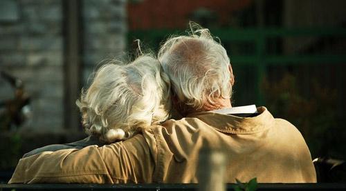 Xúc động thư người vợ tuổi già đi làm giúp việc gửi chồng-1
