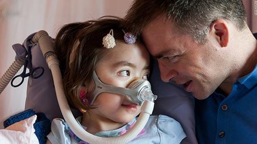 Bé gái xinh đẹp được bố mẹ cho lựa chọn tự kết thúc cuộc đời-7