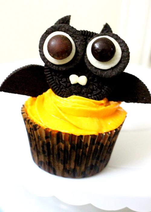 banh cupcake hinh doi cho halloween - 8