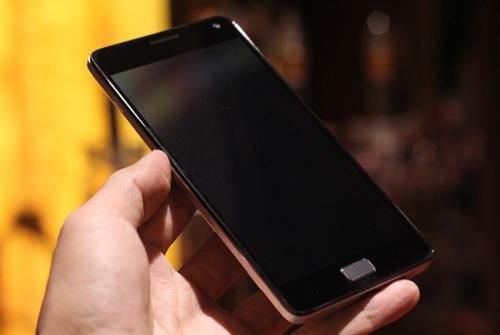 smartphone lenovo pin 5.000mah kiem sac du phong ra mat thi truong viet nam - 1