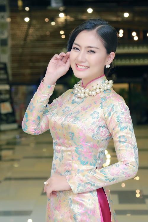 huong giang idol lung tung vi mac quan bo chen - 13