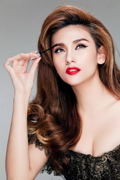 bat bai kieu make-up cua 6 my nhan ben doi cuong dola - 13