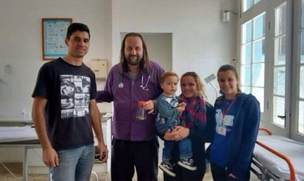 brazil: be trai 17 thang tuoi can chet ran doc - 3
