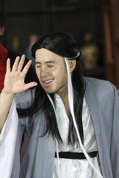 """nhung cai nhat """"choang ngop"""" trong phim ca nhac cua akira phan - 4"""