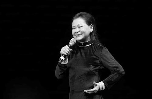 khanh ly lan dau hat cung thai chau o viet nam - 1