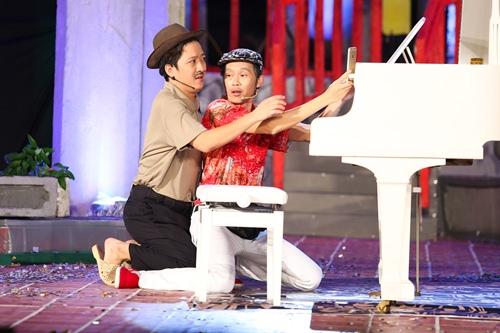 nha phuong cong khai hon truong giang tren san khau - 12