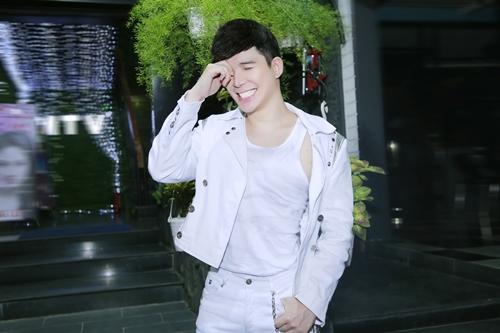 nathan lee phanh ao khoe body vam vo - 5