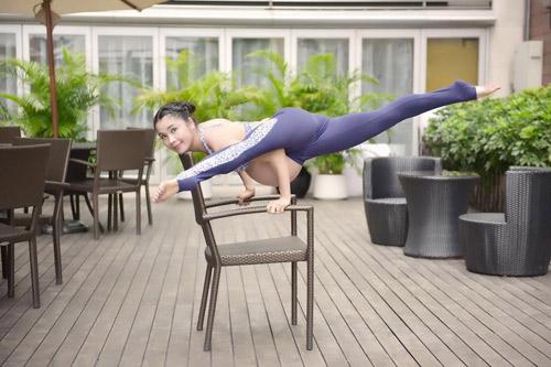 """choang"" voi bai tap yoga cua me bau 39 tuan - 1"